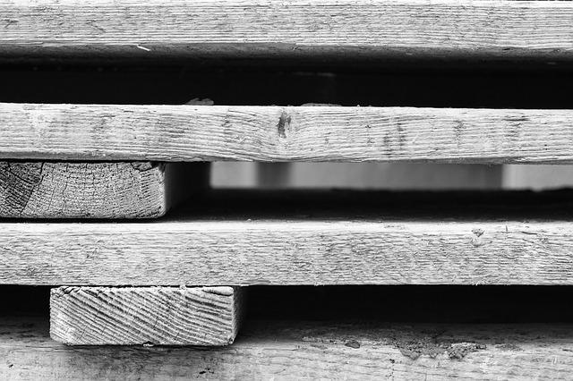 dřevěné palety na nábytek