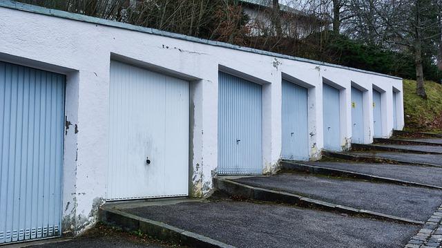 garáže pro obyvatele panelových domů